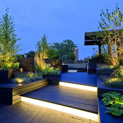 patio com solo iluminado