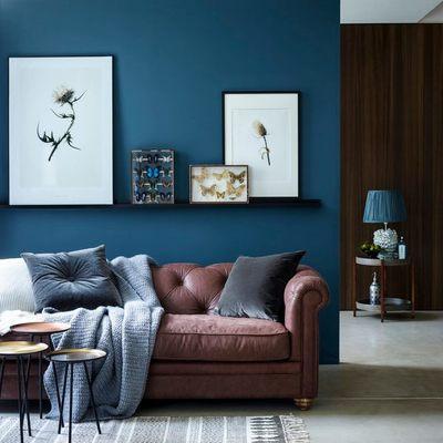 decoração em marrom com azul