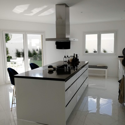 Cozinha em termolaminado branco