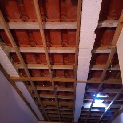 Instalação de teto de arrecadação em PVC