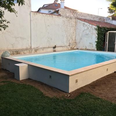 Construção de piscina semi-elevada