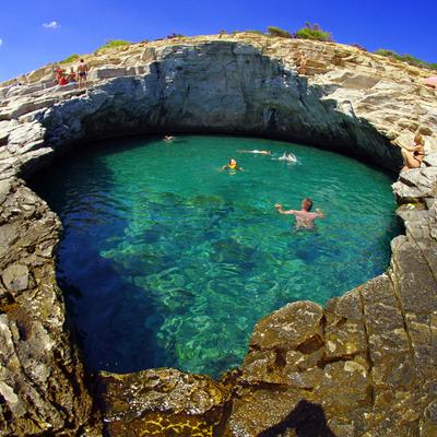Coloque seu traje de banho e descubra as melhores piscinas naturais ao redor do mundo