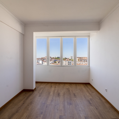 Remodelação total de apartamento T2 Amadora