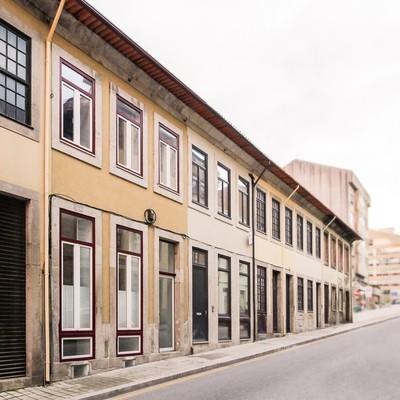 Reabilitação de uma casa antiga no centro da cidade do porto
