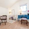 Quarto em suite com mobiliário vintage