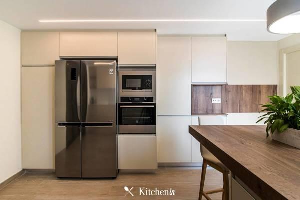 Que material utilizaram nesta cozinha? È lacada, ou pintada?