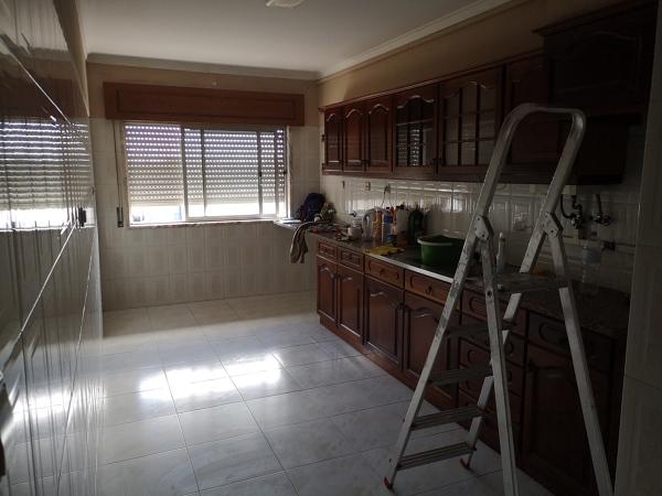 Como pintar os móveis da cozinha?