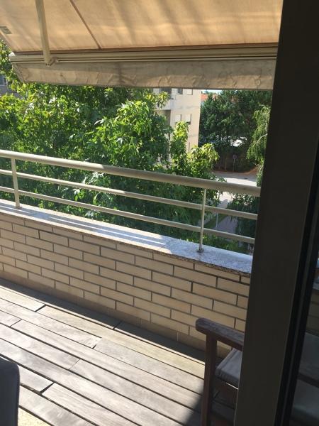 Gostaria de sugestões para aproveitar varanda da sala pequena