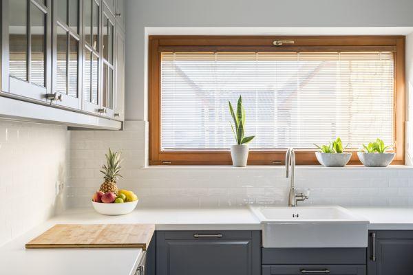 Adorei os moveis de cozinha, que material e cor são?
