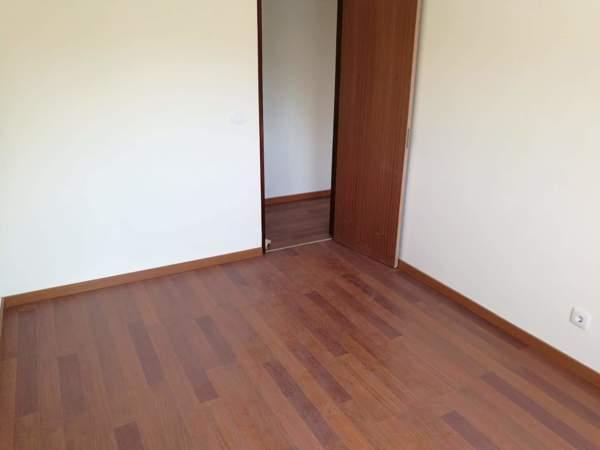 Este chão foi afagado? Levou que acabamento?