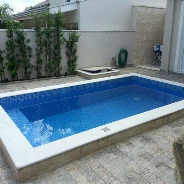 Quanto custa uma piscina semi-enterrada, em alvenaria, 6mx5mx1-1,5m?