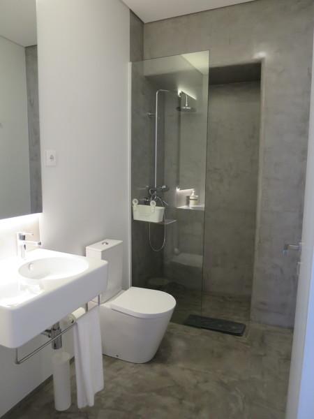 Tipo de duche que proporciona o prolongamento do chão
