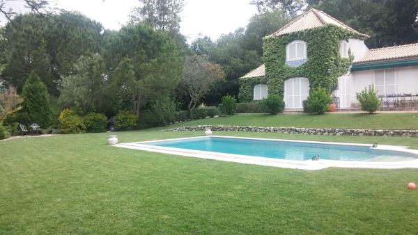 Quanto custa uma piscina deste modelo?