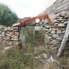 Recuperação de pavilhão agrícola e pequena construção de pedra