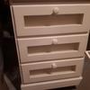 Renovar pintura de 2 mesas de cabeceira