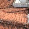 Substituição do telhado (telha marcelha) com aplicação de placas entre as ripas de madeira e as telhas