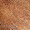 Afagar e envernizar chão