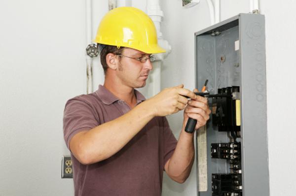 electricistas_32_34